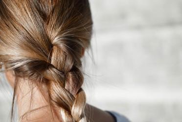 Olilab - Rast kose – veza s upaljenim vlasištem